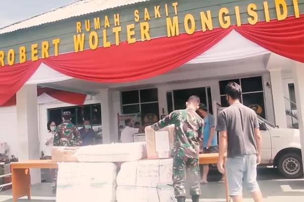 Penyaluran Bantuan Alat Pelindung Diri (APD) Untuk Rumah Sakit Militer di Manado